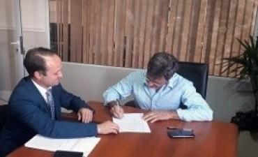 02/01/2018: Se firmó el contrato para el nuevo edificio de la escuela Justa Gayoso, de Concordia
