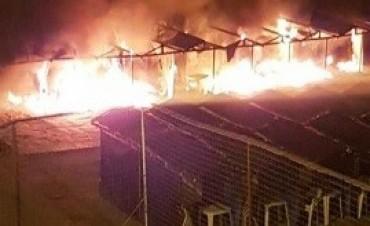 03/01/2018: Un incendio destruyó 18 carpas en Mar del Plata