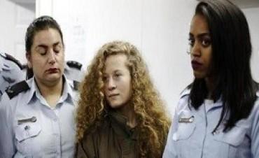 15/01/2018: La menor palestina que le dio una cachetada a un soldado israelí seguirá detenida