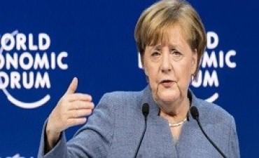 24/01/2018: Merkel contra Trump en Davos: