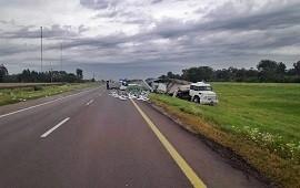 03/01/2019: Dos camiones protagonizaron un violento accidente en ruta nacional 14