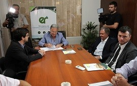 08/01/2019: El gobierno provincial formaliza convenios con los municipios para subsidiar el transporte urbano