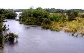 10/01/2019: Buscan a tres jóvenes que fueron a pescar antes del temporal y no regresaron