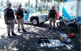 "14/01/2020: 7 kilos de droga viajaban a bordo de un colectivo, hasta que ""Morena"" se les cruzó en el camino"
