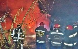05/01/2021: Las llamas devoraron una casilla de madera y sospechan que fue intencional