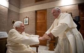 14/01/2021: Benedicto XVI recibió la vacuna contra el coronavirus un día después que el papa Francisco