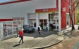 15/01/2021: Quería irse sin pagar con varios productos de un supermercado local