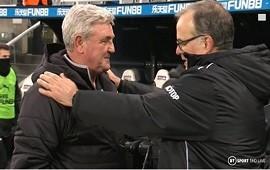 27/01/2021: El noble gesto de Marcelo Bielsa con el entrenador que acababa de derrotar que se volvió viral