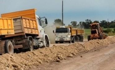 Trabajan en la mejora de los caminos del Departamento Villaguay