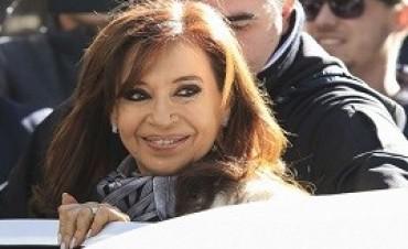 22/02/2018: Más escuchas a Cristina: pide
