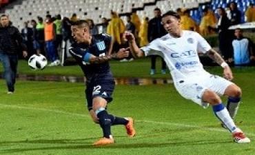 24/02/2018: Superliga Racing se lo ganó sobre la hora a Godoy Cruz