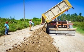 27/02/2019: Ejecutan mejoras en el camino de acceso a Aldea Grapschental