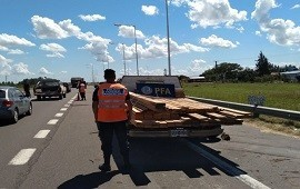20/02/2019: Transportaba listones de madera valuados en 10 mil pesos pero sin documentación