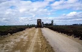 20/02/2019: Continúa el programa de mantenimiento de caminos rurales en el departamento Villaguay