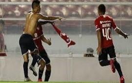18/02/2020: El bombero Fernández salvó a Independiente de arder en el infierno: empató con Arsenal 1-1