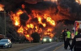 23/02/2021: Texas: impresionante explosión tras el choque de un tren con un camión