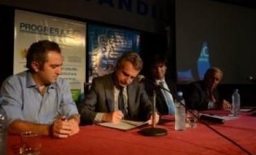 Rossi, Milani y la Universidad Nacional del Centro firmaron convenios de cooperación educativa, académica, científica y técnica