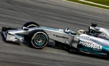 Fórmula 1 El campeón Lewis Hamilton logró la primera