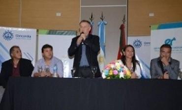25/03/2017: Se concretó en Concordia la entrega de aportes para más de 300 clubes entrerrianos