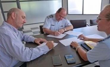 30/03/2017: Salud y la Fuerza Aérea renovaron un convenio por el almacenamiento de leche fortificada
