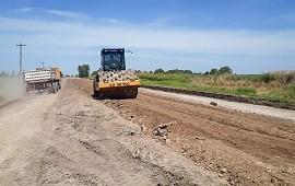 06/03/2019: Vialidad trabaja en el ingreso a Colonia Merou desde la Ruta 12