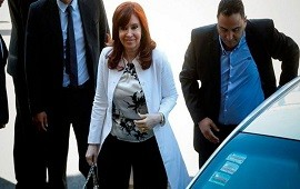 02/03/2021: Dólar futuro: niegan a Cristina Kirchner presencialidad en el juicio