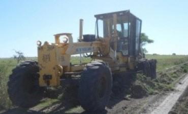 Vialidad trabaja en los caminos rurales en los departamentos Villaguay y Nogoyá