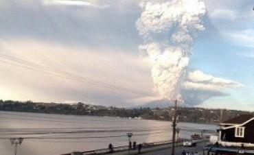 Anticipan complicaciones para los vuelos a Chile y a la Patagonia por las cenizas en suspensión