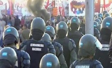 06/04/2017: Enfrentamientos entre gendarmes y manifestantes en Panamericana y ruta 197: seis detenidos y cuatro heridos