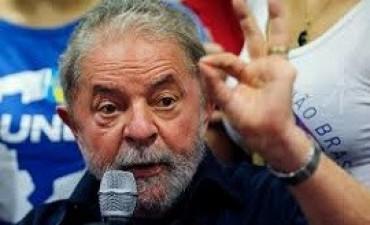 11/04/2017: Lula anunció su candidatura presidencial para 2018
