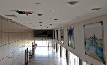 18/04/2017: El cielorraso del Centro de Convenciones se deteriora por falencias de construcción