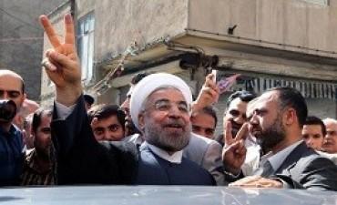 30/04/2017: En campaña, Rohani advirtió a los iraníes sobre la vuelta de los conservadores