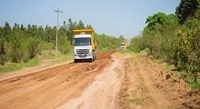 13/04/2018: Repasan y conservan caminos rurales en el departamento Federación