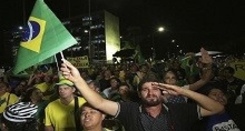 05/04/2018: El PT convoca a marchar contra el fallo que ordena detener a Lula Da Silva
