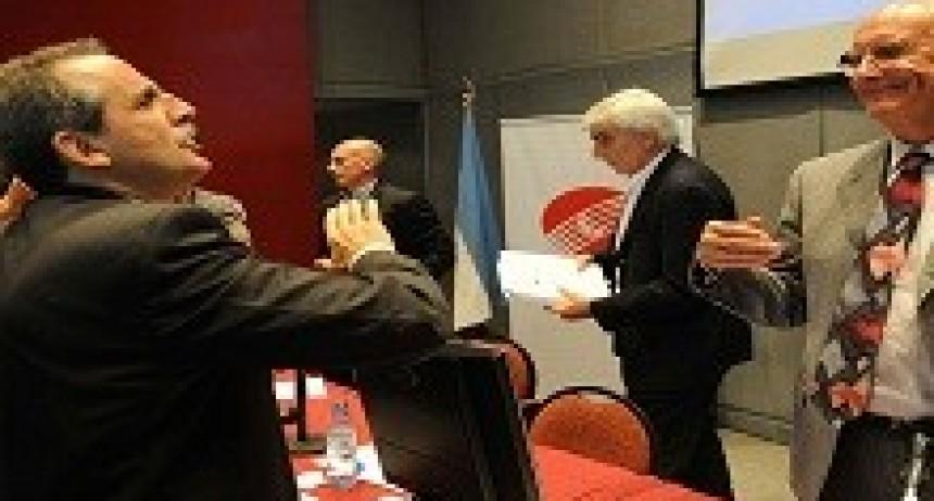 09/04/2018: Procesan y embargan a Guillermo Moreno por irrumpir en una asamblea de Clarín