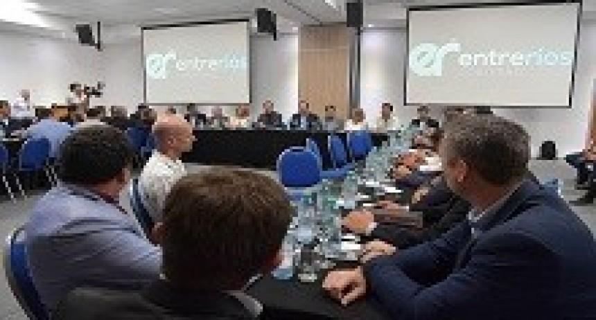 09/04/2018: Bordet e intendentes de Cambiemos compartieron su preocupación por la tarifa eléctrica