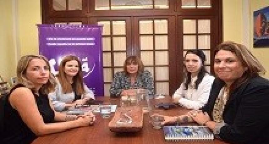 11/04/2018: Encuentro de trabajo en el Instituto Nacional de las Mujeres