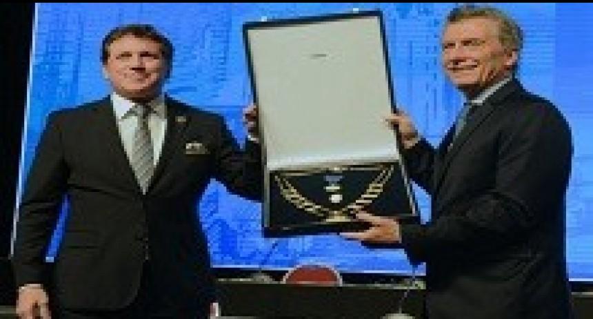 12/04/2018: Fútbol y política La Conmebol homenajeó a Mauricio Macri
