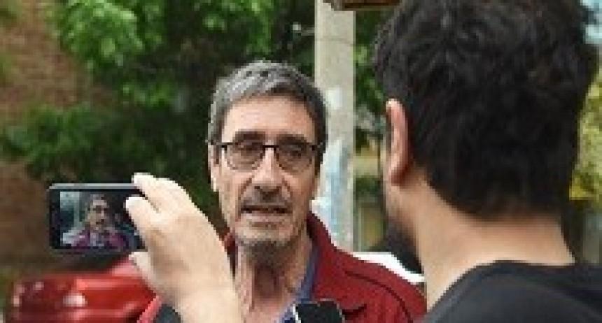 27/04/2018: Piden enjuiciar al profesor que arrojó huevos al presidente Macri en La Pampa