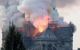 15/04/2019: Incendio en Notre Dame: los terribles videos del fuego en la catedral