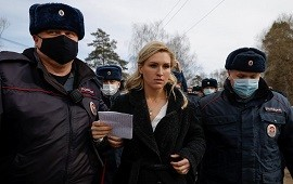 06/04/2021: Rusia arrestó al corresponsal de la CNN en Moscú y a un grupo médicos que exigían ver al opositor Alexei Navalny
