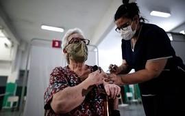 13/04/2021: A un ritmo promedio de más de 160.000 aplicaciones diarias a nivel nacional, la Argentina se quedaría sin vacunas en 9 días