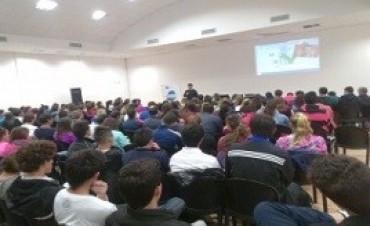 29/05/2017: Cientos de docentes se capacitaron sobre educación física y discapacidad