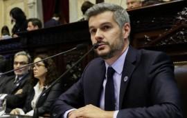 23/05/2018: Con una recepción hostil, Marcos Peña se presentó en Diputados