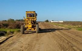 23/05/2019: Vialidad repasa caminos productivos en la zona de Seguí del departamento Paraná
