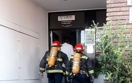 23/05/2019: Bomberos rescataron a una mujer, tras el desplome de un ascensor
