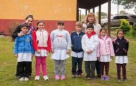 29/05/2019: La provincia mejora el camino de la escuela rural de Arroyo Corralitos
