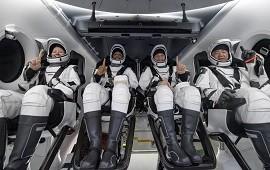 02/05/2021: Concluyó el primer viaje tripulado de SpaceX y la NASA