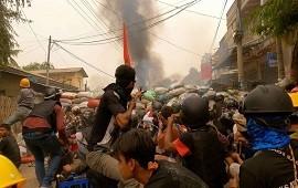 02/01/2021: Birmania: 6 muertos por disparos de las fuerzas de seguridad