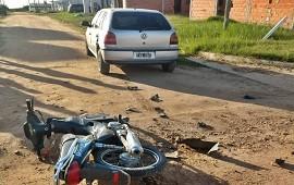 07/05/2021: Motociclista terminó hospitalizado y con graves lesiones luego de impactar contra un auto